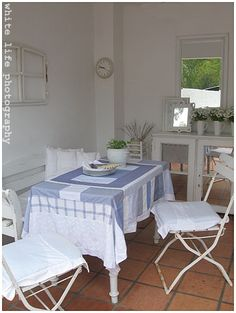white life ©: DIY - New life for old dress shirts - Table cloth from mens old dress shirts and lined with an unused bedsheet