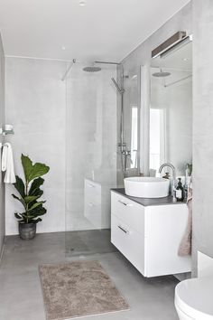 Dreaming of an extravagance or designer master bathroom? We've gathered together lots of gorgeous bathroom a few ideas for small or large budgets, including baths, showers, sinks and basins, plus master bathroom decor suggestions. Steam Showers Bathroom, Bathroom Spa, White Bathroom, Small Bathroom, Bathroom Ideas, Bathroom Organization, Remodel Bathroom, Bathroom Cabinets, Minimal Bathroom