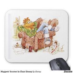 The muppets - La vespa de los Muppets en la silla Disney Tapetes De Ratones. Regalos, Gifts. Producto disponible en tienda Zazzle. Product available in Zazzle store. Link to product: http://www.zazzle.com/la_vespa_de_los_muppets_en_la_silla_disney_tapetes_de_ratones-144699566153319324?lang=es&CMPN=shareicon&social=true&rf=238167879144476949 #mousepad