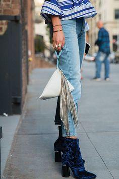 As botas de veludo são essenciais do inverno.