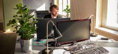 Das myblögchen hat sich meinen Blog Unterwegs in Karl-Marx-Stadt genauer angesehen und viel mehr darin entdeckt als ich selbst! Coworking Space, Flat Screen, Desk, Furniture, Blog, Home Decor, Chemnitz, Table Desk, Writing