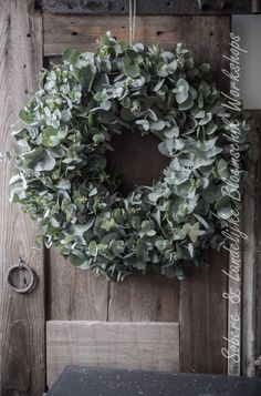 - Lilly is Love Christmas Door Wreaths, Christmas Flowers, Easter Wreaths, Holiday Wreaths, Christmas Decorations, Holiday Decor, Simple Christmas, Estilo Interior, Eucalyptus Wreath