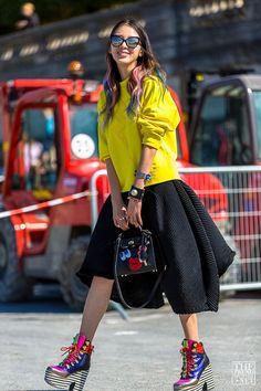 20-Coolest-Pop-Bags-Spotted-this-Season-16