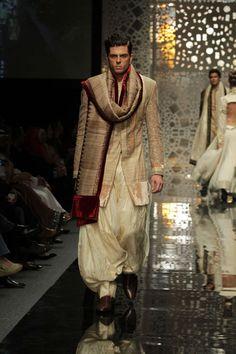 Manish Malhotra in Lakme Fashion Week