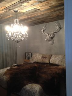 My room with pallet ceilings