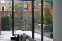 Culmax - Cantilevered Floor | Structural Glass Balustrading