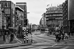Nieuw in mijn Werk aan de Muur shop: Het Vredenburg en de Lange Viestraat in Utrecht in zwart-wit