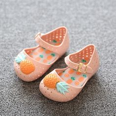 2016 nowa wiosna lato buty dzieci jelly mieszkania dziewczyny deszczu Buty malucha buty bebe owocowe dla dzieci pierwsze walker buty czarny Niebieski w          Wykres Rozmiar butawiekuUSA rozmiarUE (RU) rozmiarUKrozmi od Pierwsze Spacerowiczów na Aliexpress.com | Grupa Alibaba