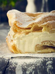 Przepis na karpatkę Custard Slice, Polish Recipes, No Bake Cake, Apple Pie, Camembert Cheese, Cake Recipes, Sweet Tooth, Good Food, Food And Drink