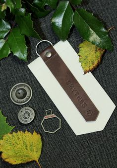Smythes Swing Tag & Buttons - Nilorn