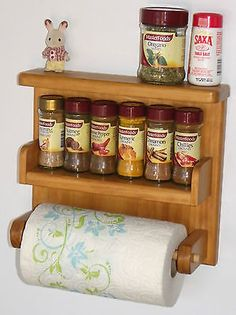 paper towel holder,spice rack,wooden,hand made,save space great idea! Wood Log Crafts, Diy Wood Projects, Pallette Furniture, Wood Furniture, Kitchen Modular, Wooden Kitchen, Kitchen Interior, Kitchen Decor, Home Office Shelves
