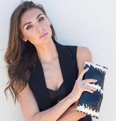 The #sona patent #bnw bag is back in stock on our website!!! Posting some of our favorite #fashion #blogger pics today!  @Tienlyn is absolute perfection carrying this #clutch. @thoughtfulmisfit  #Love the #makeup, #outfit & #hair #thoughtfulmisfit #ootd #fashionblogger #islyhandbags #sanfrancisco #style #fashion #handbags #accessories #armcandy www.islyhandbags.com