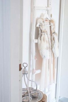 ... ♥ ... Hang your prettiest dresses on the ladder