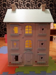Wooden Light Up Dolls House Light Up, Jasmine, Xmas, Traditional, Dolls, Wood, Building, House, Character