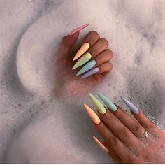 Stiletto Nails - 31 Nails for Summer 2017 Stiletto Nail Art, Cute Acrylic Nails, Summer Stiletto Nails, Acrylic Nails For Spring, Gorgeous Nails, Pretty Nails, Hair And Nails, My Nails, Unicorn Nails