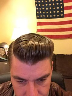 Mens Hairstyles Fade, Slick Hairstyles, Classic Hairstyles, Hairstyles Haircuts, Rockabilly Hair Men, Greaser Hair, Cool Haircuts, Haircuts For Men, Brylcreem