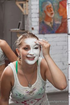 Our goal is to keep old friends, ex-classmates, neighbors and colleagues in touch. Mime Makeup, Pantomime, Makeup Application, Clowns, Lady, Cute, Painting, Fictional Characters, Mac Makeup Application