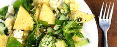 Gewoon wat een studentje 's avonds eet: Couscoussalade met appel, feta, avocado, komkommer, pompoenpitten en veldsla