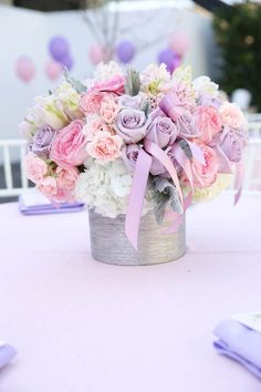 Pretty centerpiece ideas for a Sofia the First Birthday Party Floral Vintage, Deco Floral, Floral Design, Wedding Centerpieces, Wedding Decorations, Princess Centerpieces, Centerpiece Ideas, Flower Centerpieces, Sofia The First Birthday Party