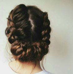 Charming Twice Passed Chignon, Now this chignon may look hard to do, but it actually isn't. The key is to have a firm hang on your hair and have your bobby pin ready to end up the chignon after the pass. End up the look with flowers or a bow. Braids For Long Hair, Messy Braids, Braid Hair, Milkmaid Braid, Dutch Braid Bun, Dutch Braids, Curls Hair, Curly Hair Braids, Messy Buns
