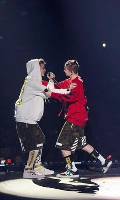 Marcus and Martinus concert Dream Boyfriend, Love U Forever, Normal Person, Twin Brothers, Great Friends, Cute Photos, Handsome Boys, Ariana Grande, Bff