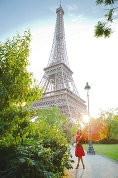 Lady i n red and Eiffel Tower
