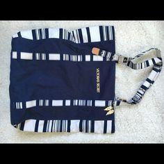 Victoria Secret Tote Bag Never used! Like new Victoria's Secret Bags Totes