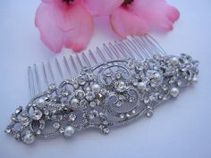 Vintage Inspired pearl bridal hair combcrystal by Angelbridalshop, $55.00 loving this one @eliztaylo
