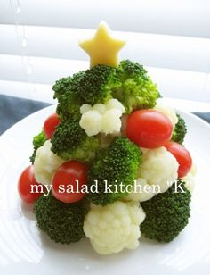 Let's snow with white sauce. Christmas Party Food, Vegan Christmas, Xmas Food, Christmas Cooking, Christmas Tree, Cute Food, Good Food, Raw Food Recipes, Healthy Recipes