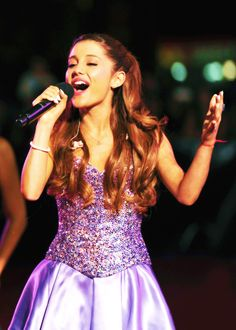"""Ariana Grande at the 2013 VMA pre-show singing """"Baby I"""" to promote her upcoming album, """"Yours Truly"""" due September 3rd."""