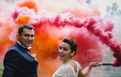 fumaça-colorida-casamento-casal-noivos