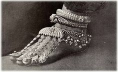 What's Old is New: A brief history of The Barefoot Sandal.
