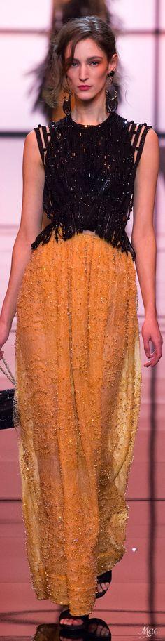 Armani Privé Spring 2017 Couture Fashion Show Armani Collection, Armani Prive, High End Fashion, Italian Fashion, Giorgio Armani, Emporio Armani, Couture Fashion, Dress To Impress, Beautiful Dresses