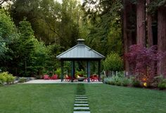 10 Beautiful Pictures of Outdoor Fireplaces and Fire Pits : Outdoor Projects : HGTV Remodels