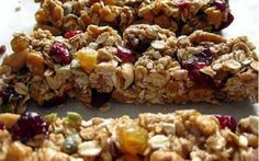 Is it possible to not like a granola bar? Granola or granola bars are definitely some of the most addicting snacks! Breakfast Recipes, Dessert Recipes, Granola Bars, Oat Bars, Rice Krispie Treats, Greek Recipes, Just Desserts, Food Inspiration, Food And Drink