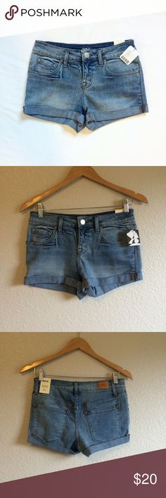 UO • Shorts These midrise shorties are NWT. BDG for Urban Outfitters. Urban Outfitters Shorts Jean Shorts