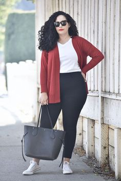 Cute Outfits For Plus Size Women. Plus size fashion for women. Fashion tips, Inspiration and dressiong ideas for Plus Size Women. Sporty Outfits, Curvy Outfits, Trendy Outfits, Fashion Outfits, Casual Plus Size Outfits, Dress Fashion, Curvy Work Outfit, Fashion Hacks, Cardigan Fashion