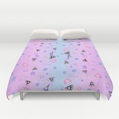 Cover yourself in creativity with our ultra soft microfiber duvet covers. Hand…
