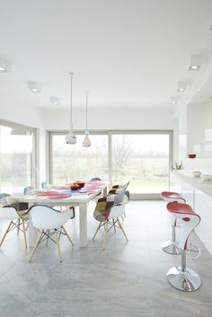 How To Determine If Your Decorating Style Is Modern. White PaintsDiy  Apartment ...