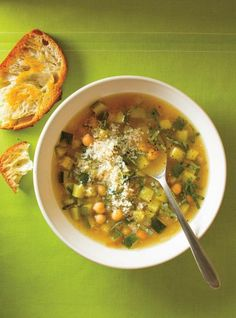 Soup Recipes 82209 Ricardo recipe for chickpea soup with zucchini Vegetarian Vegetable Soup, Vegetable Soup Crock Pot, Vegetable Recipes, Vegetarian Chili, Vegan Soup, Healthy Crockpot Recipes, Vegetarian Recipes, Detox Recipes, Pie Recipes