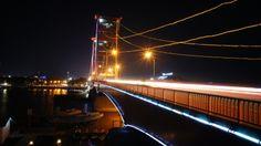 Ampera Bridge, South Sumatera. Photograph by Budi Wahyudi (2011).