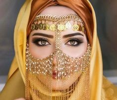 Traditional, enhances the beauty of the eyes. Used in Weddings and performances. Belly Dance Makeup, Belly Dance Outfit, Belly Dance Costumes, Arab Fashion, Fashion Mask, Fashion Beauty, Beautiful Mask, Beautiful Hijab, Arabian Beauty Women