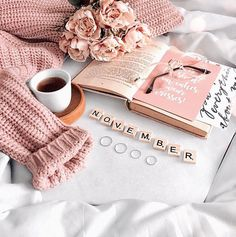 flatlay – Pin to pin Photography Sketchbook, Book Photography, Photography Aesthetic, Memories Photography, Photography Lighting, Autumn Photography, Aerial Photography, Street Photography, Photo Pour Instagram