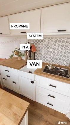 Van Conversion Interior, Camper Van Conversion Diy, Van Interior, Car Camper, Camper Life, Camper Trailers, Rv Life, Van Living, Home And Living