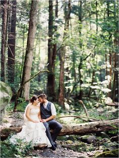 Mtn wedding at Spence Cabin in the Great Smoky Mountains - click to view more! #contax645 #filmphotographer