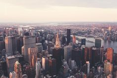 New York City. Home to more than 8 million people and countless landmarks. Over 50 million visitors travel to NYC every year to see Times Square, the Empire State Building and everything NYC has to offer. This New York City packing list includes all you need to know about what you should pack when visiting …