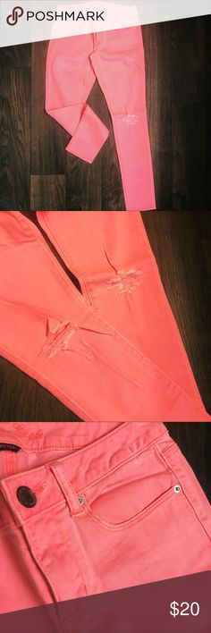 American Eagle Pink Distressed Skinny Jeans American Eagle Distressed Pink Stretch Skinny Jeans. Size 6. NWOT. Never worn. American Eagle Outfitters Jeans Skinny