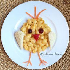 {Shells n' Cheese Chick} – Essen Ide… - Kinderrezepte Mittagessen Cute Snacks, Fun Snacks For Kids, Cute Food, Good Food, Yummy Food, Cheese Stuffed Shells, Food Art For Kids, Kids Menu, Food Decoration