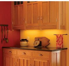 Ah! E se falando em madeira...: armarios de cozinha