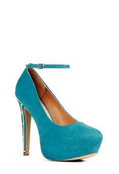 The gold detailing on this Shoes called Noelia adds sophistication to this beautiful teal color!  #JustFabSweeps